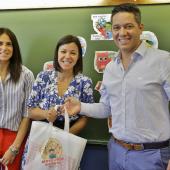 Entrega dos cadernos escolares no início do ano letivo 2019/...
